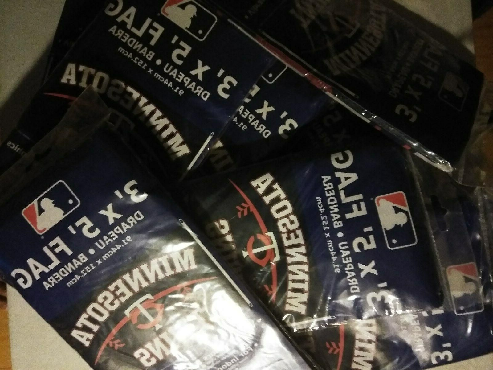 Minnesota Twins gift bags+6 +18 decals+flag 96 pencils